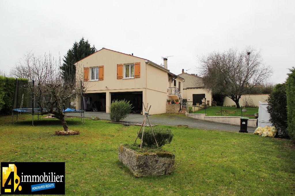 A vendre Maison Saint Cesaire , 3 chambres