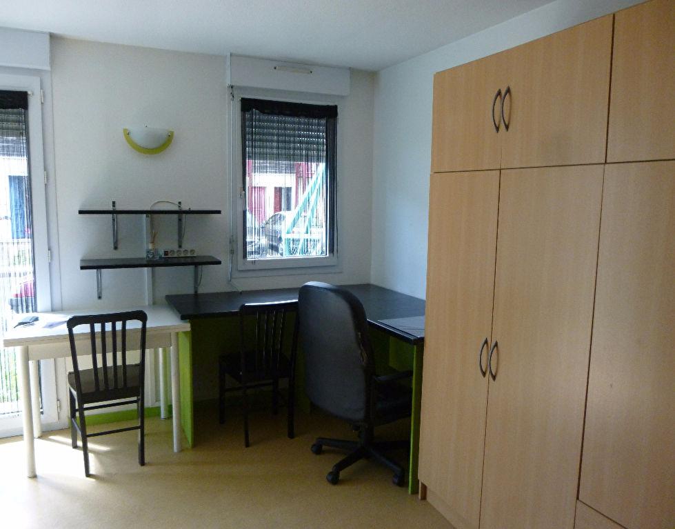 A louer appartement la rochelle 19 m 406 4 immobilier charente - Studio meuble la rochelle ...