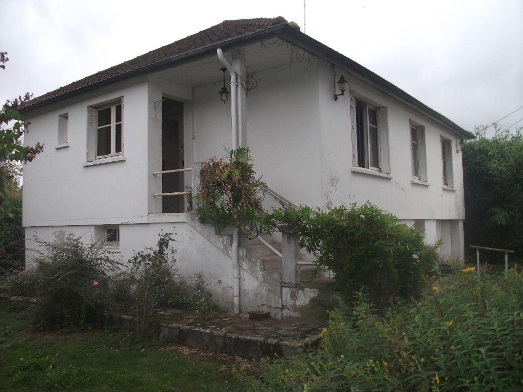 Maison proche Anet offrant 4 pièce(s) 60 m2 à rafraîchir