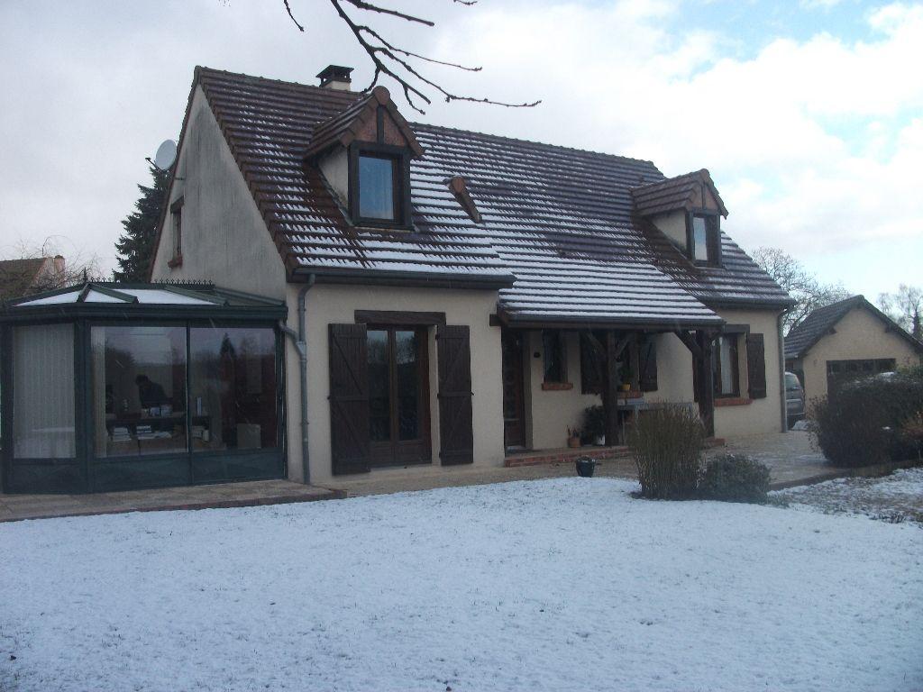 Proche Anet, belle maison traditionnelle de 163m²