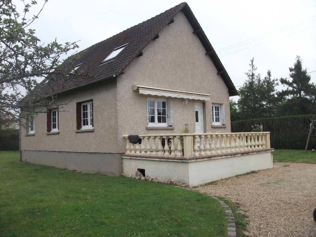 MAISON TRADITIONNELLE AVEC GARAGE