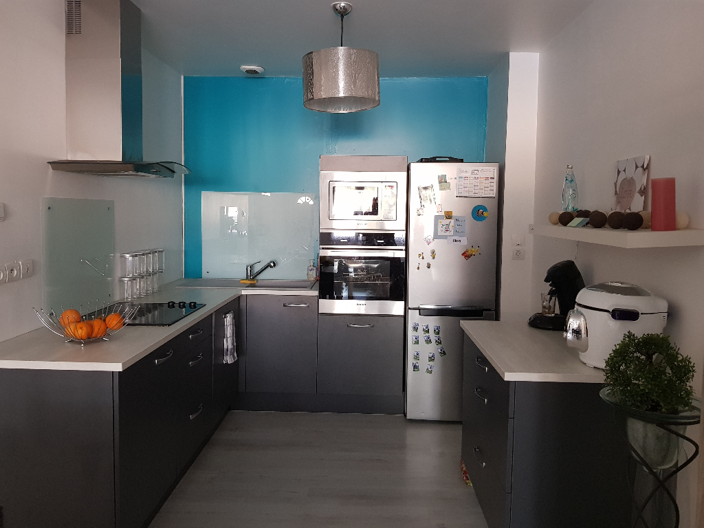 APPARTEMENT TRES PROPRE EN CENTRE VILLE