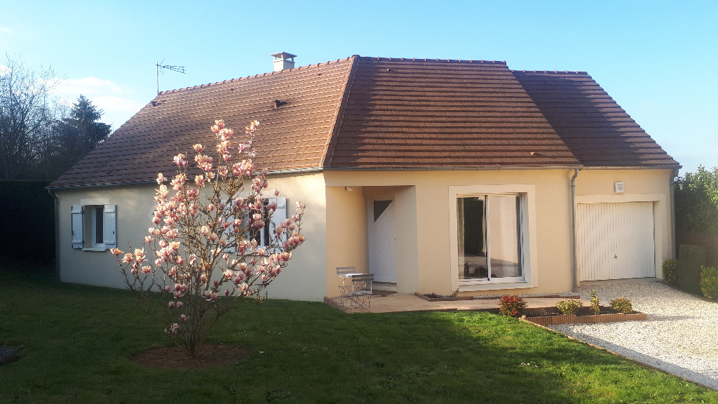AGREABLE MAISON CONTEMPORAINE DE 2008