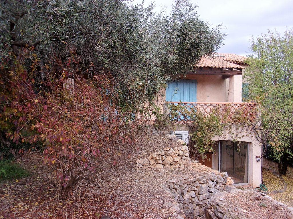 Ollioules, villa d'environ 230 m2 sur terrain de 2300 m2 avec piscine
