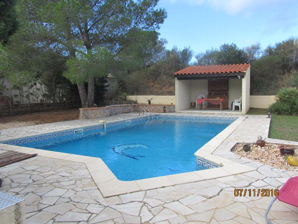 Villa Plain pied sur 1000 m² avec belle piscine.4/5 pièce(s) 110 m2