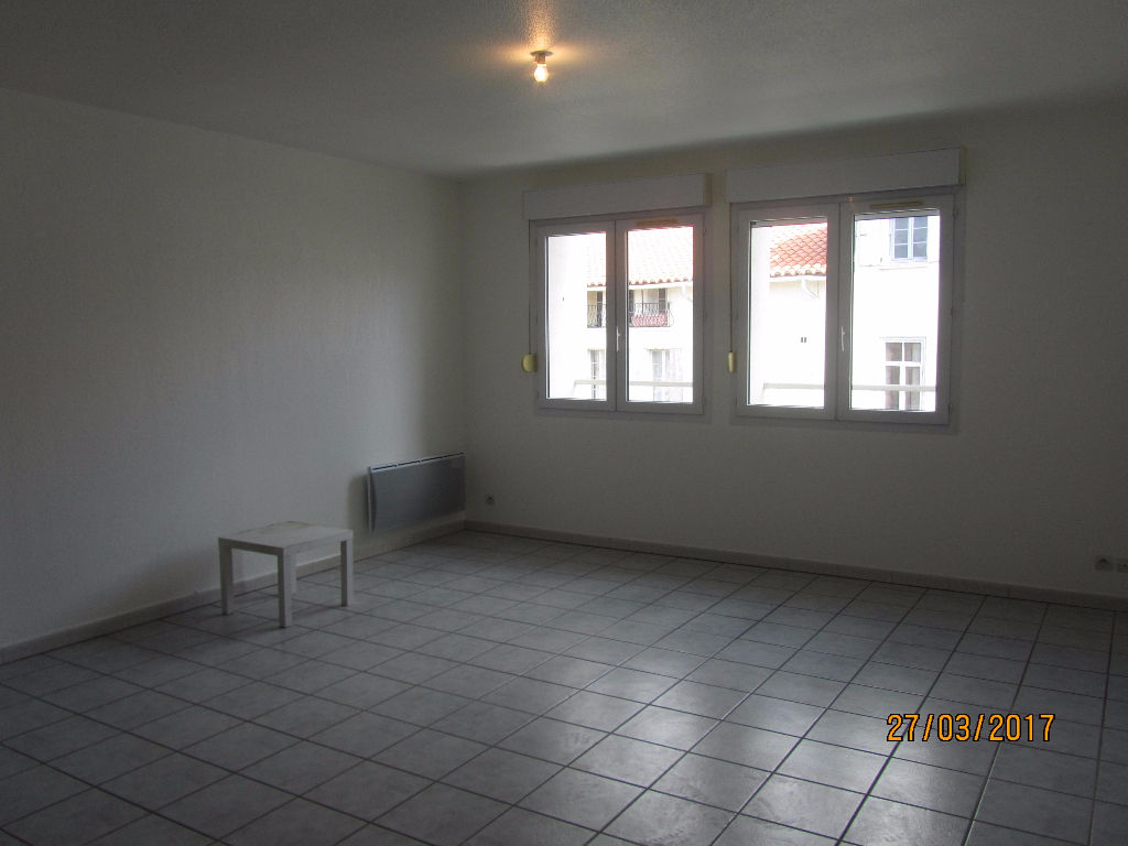 Appartement neuf  T4 de 135 m²  118 000 € avec parking privatif Fermé.