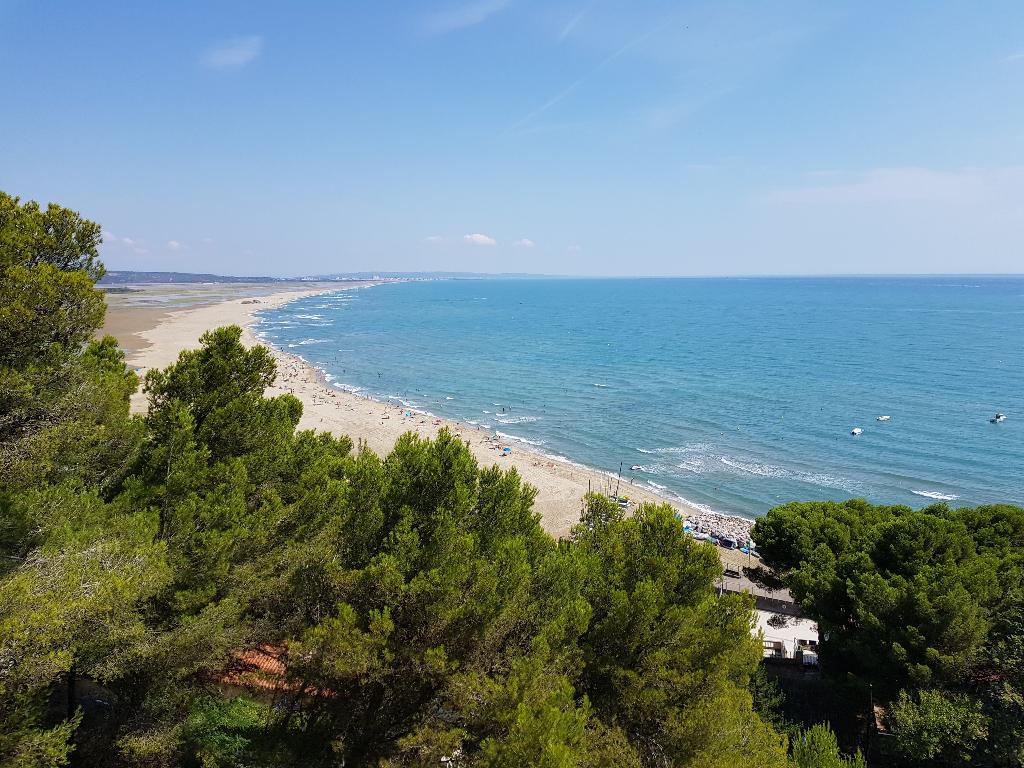Bien de prestige à La Franqui, vue mer, d'une superficie  de 550 m² couverte  le tout sur un terrain de 1858 m²