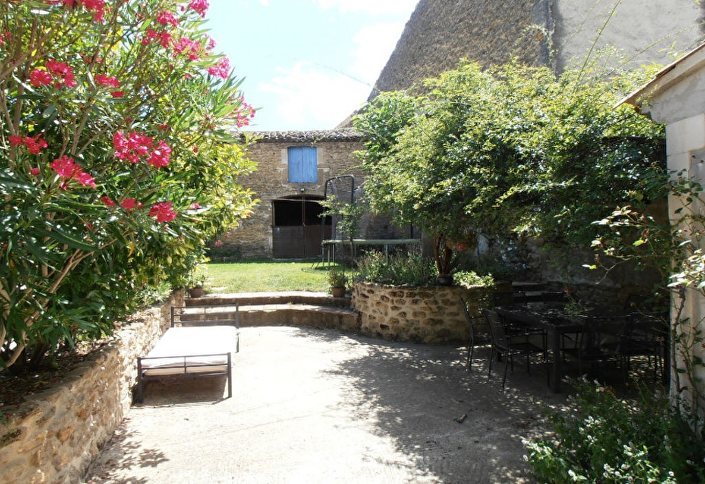 Maison en pierres avec dépendance Suze La Rousse 7 pièce(s) 138 m2