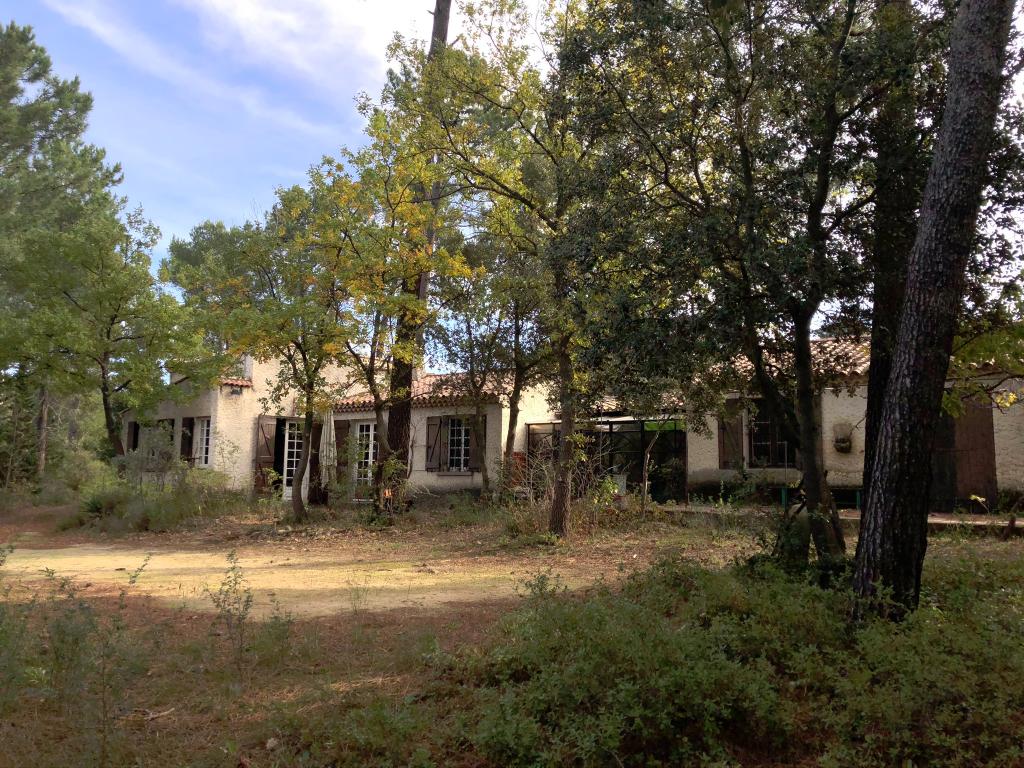 Maison à rénover MORNAS 130 m²