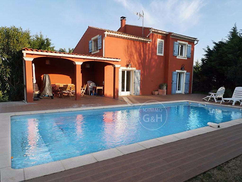 Superbe villa T6 au sud de Marseillan village, secteur recherché.