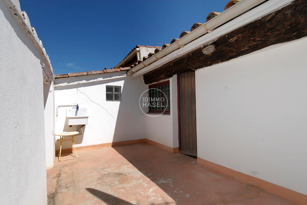 Pomérols, maison de village T3 avec cave et terrasse