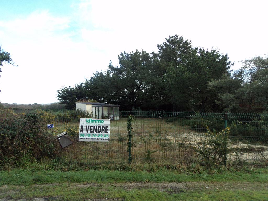 LOMENER Terrain Agricole