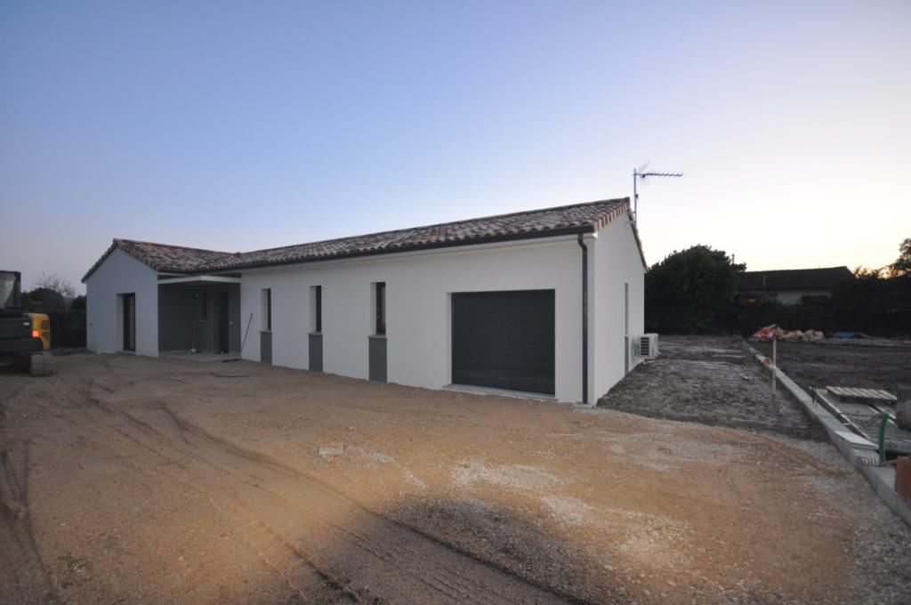 CINTEGABELLE-Maison 3 pièce(s) 80 m2