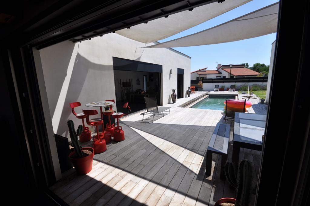 SAVERDUN-Maison 5 pièce(s) 205 m2