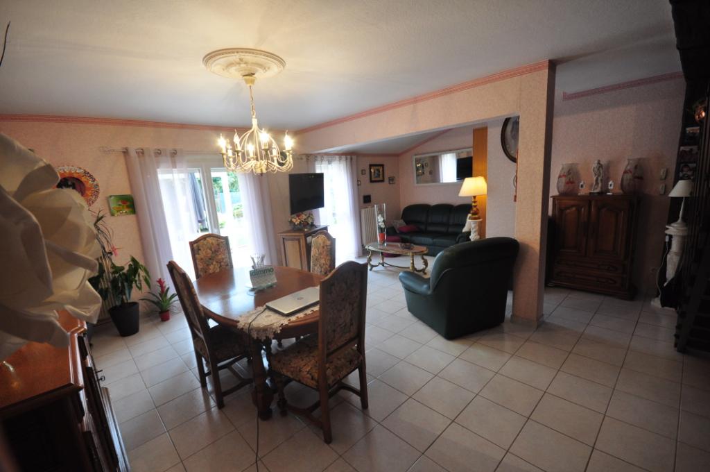 AUTERIVE-Maison 3 pièce(s) 85 m2