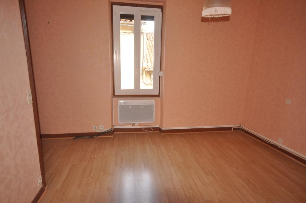SAVERDUN-Maison 4 pièce(s) 100 m2