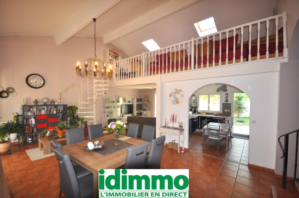 AUTERIVE-Maison 5 pièce(s) 160 m2