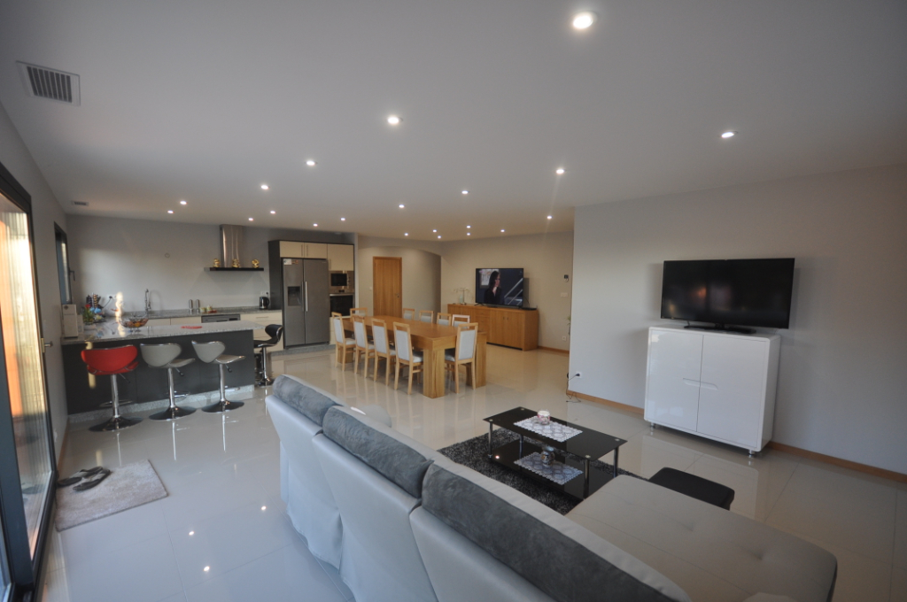 AUTERIVE-Maison 4 pièce(s) 127 m2