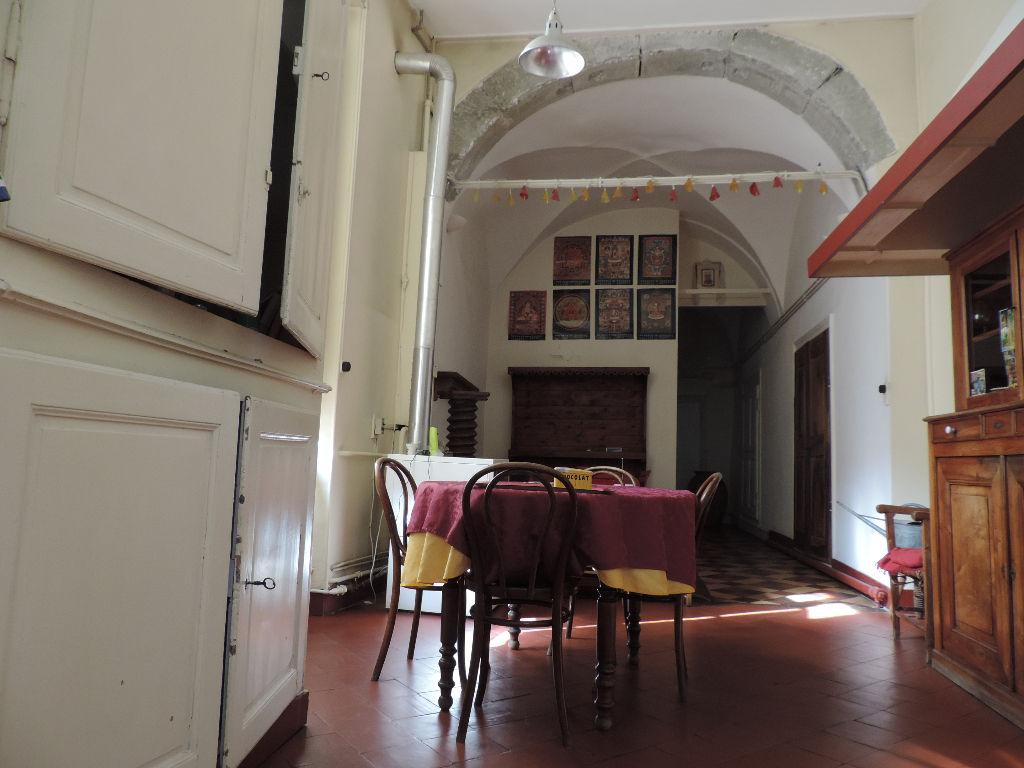 bel appartement du 16 eme dans quartier historique 290 m²