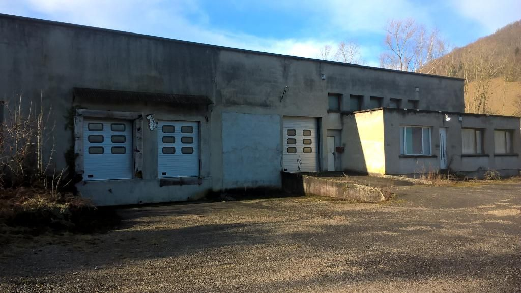 local commercial entrepot 1500 m²