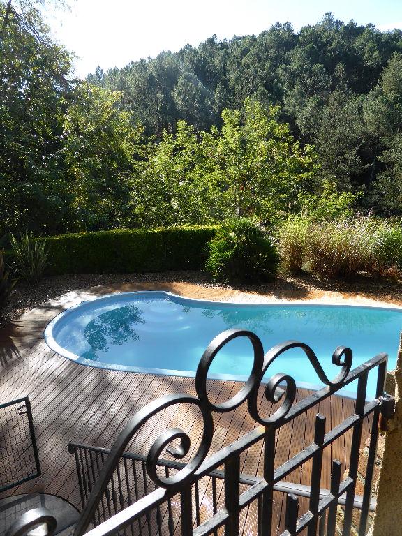Maison de Maître type Napoléon III, piscine sur 2100 m2 dans un écrin de verdure