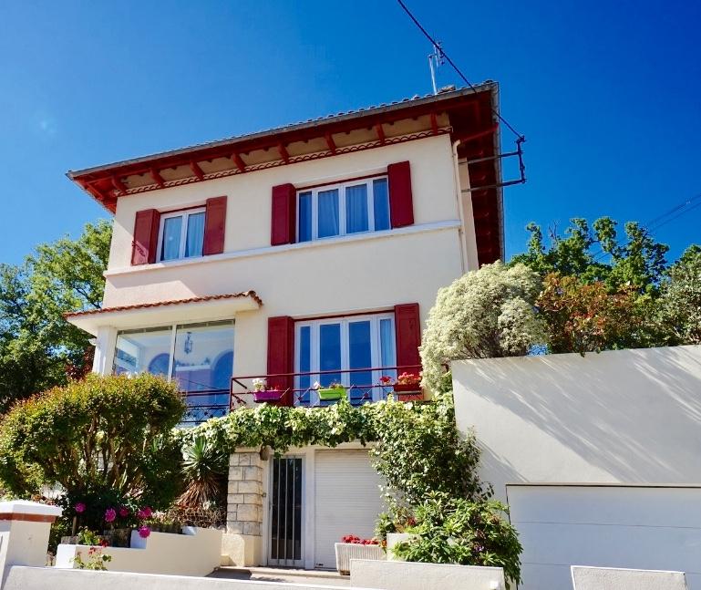 ROYAN. Maison située à 500 m de la plage.