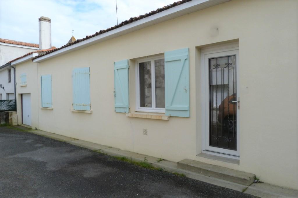 Maison située à Pérignac.