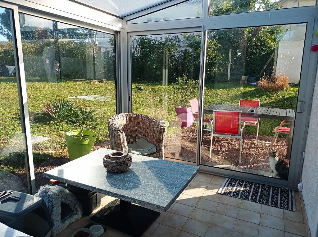 Appartement avec  beau jardin privatif