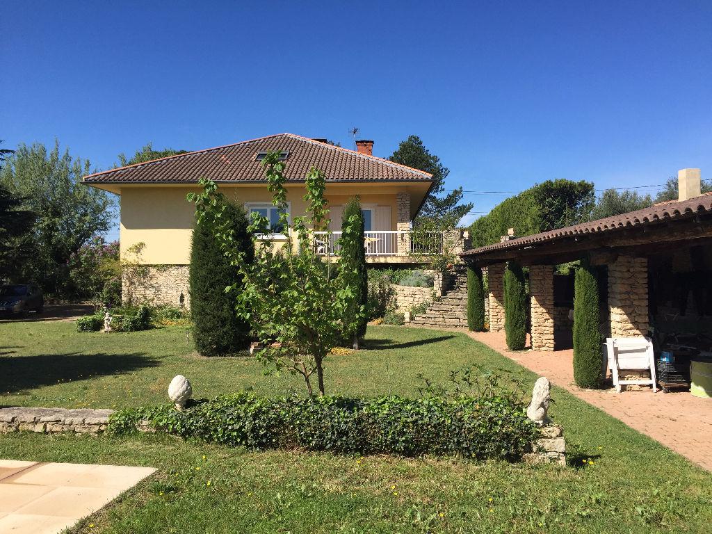 Villa Entraigues Sur La Sorgue 10 pièce(s) 245 m2