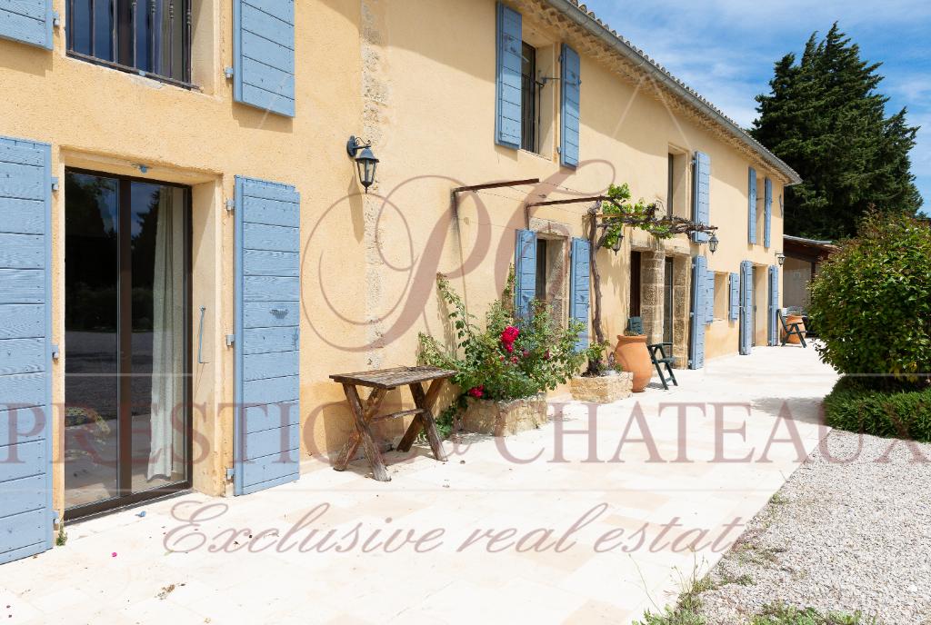Propriété Provençale secteur Sainte Cécile les Vignes 8 pièce(s) 240 m2