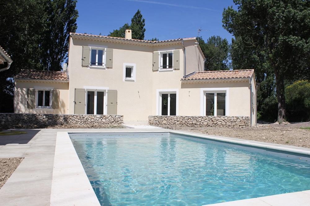Villa prestations haut de gamme, 127m2, 4 chambres, garage, piscine sur 2028m2 de terrain