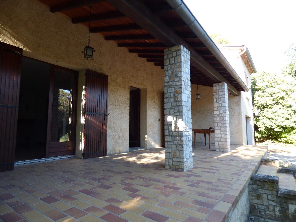Villa  6 pièces 124 m2 sur 2896 m² de terrain