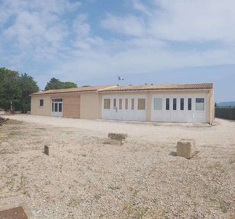 Entrepôt 200 m² avec maison 130 m²