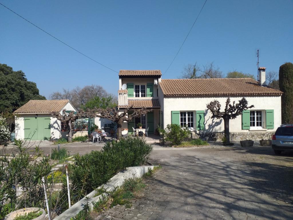 Maison  6 pièce(s) 130  m²