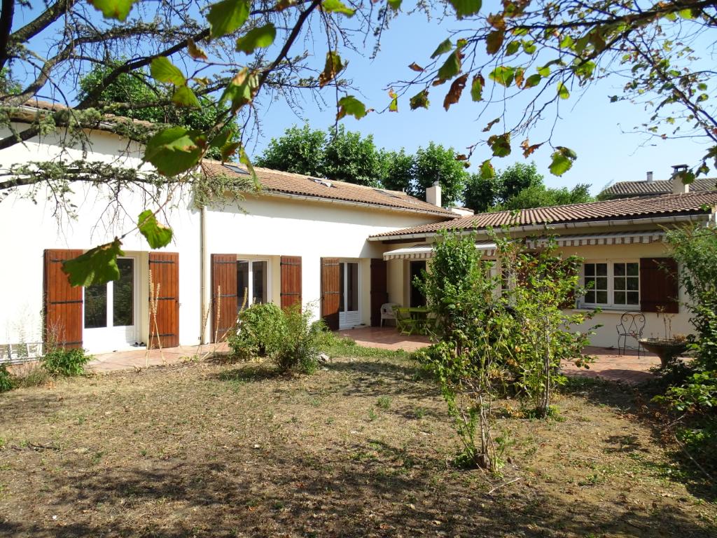 Villa 6 pièce(s) 133 m 2