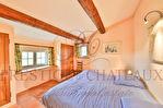 Maisons Uchaux 11 pièce(s) 297 m2 terrain 1,1 ha constructibles