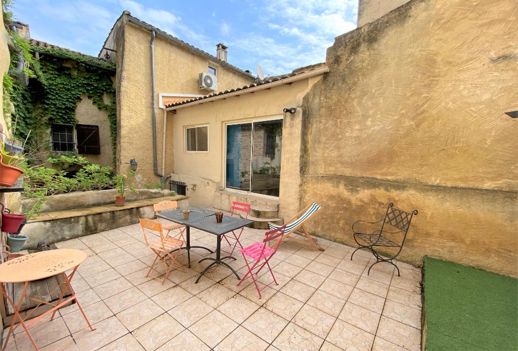 Maison de village : 130 m², 3 chambres, grande terrasse - charme et authenticité