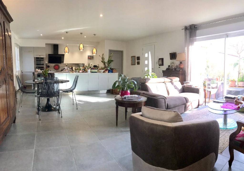 Maison 5 pièces -103 m², 355 m² de terrain clos