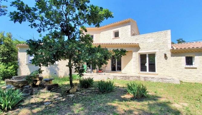 Maison contemporaine - 4 chambres, terrain 1450 m³ - environnement privilégié