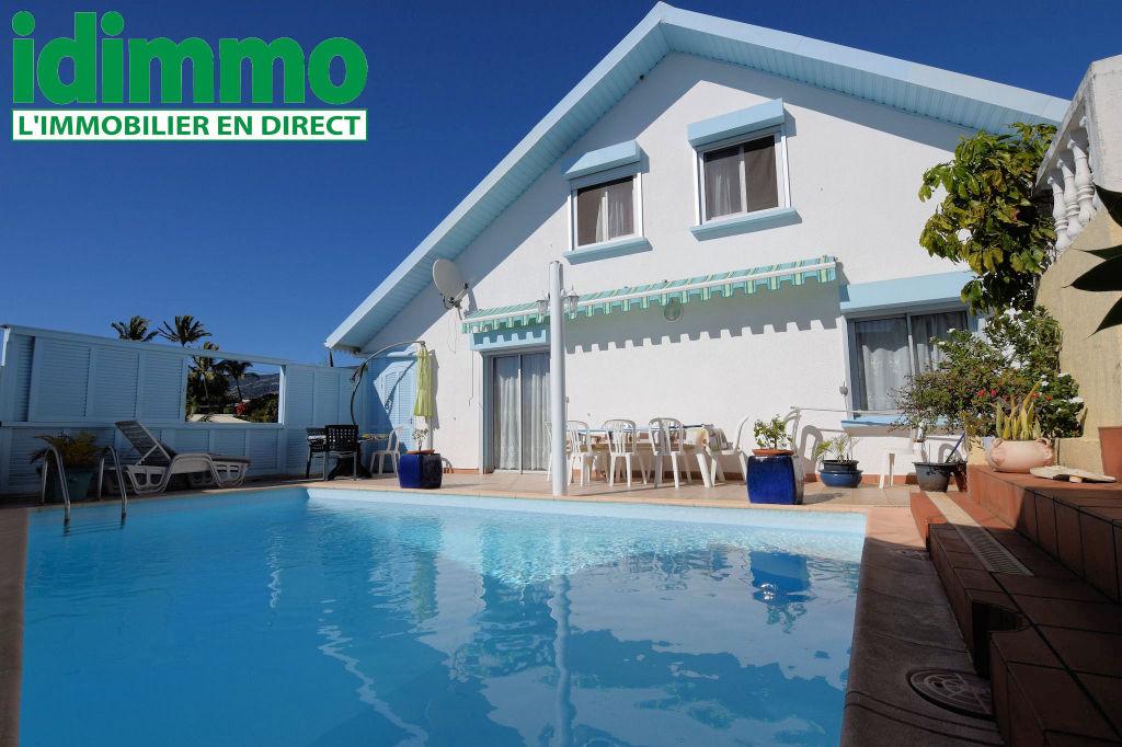 IDIMMO: Bas de Bois de Nèfles, villa T9  358m2 SU avec piscine sur terrain 800m² !