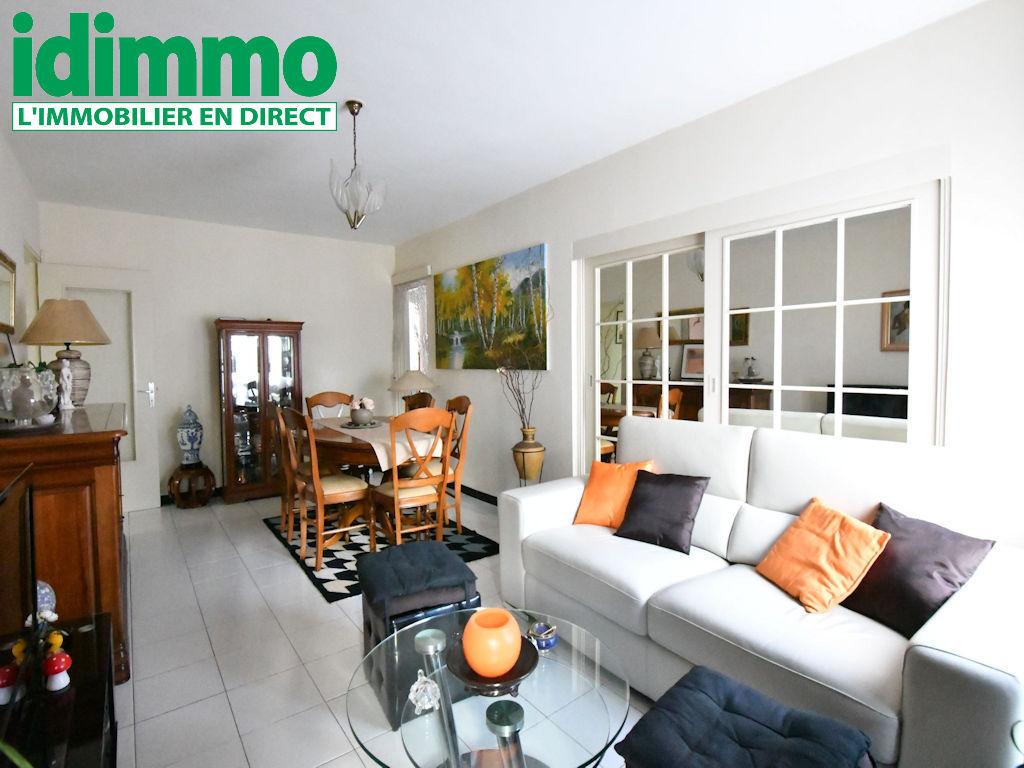 IDIMMO: St Denis centre, Appartement T4 de 82m², très calme !