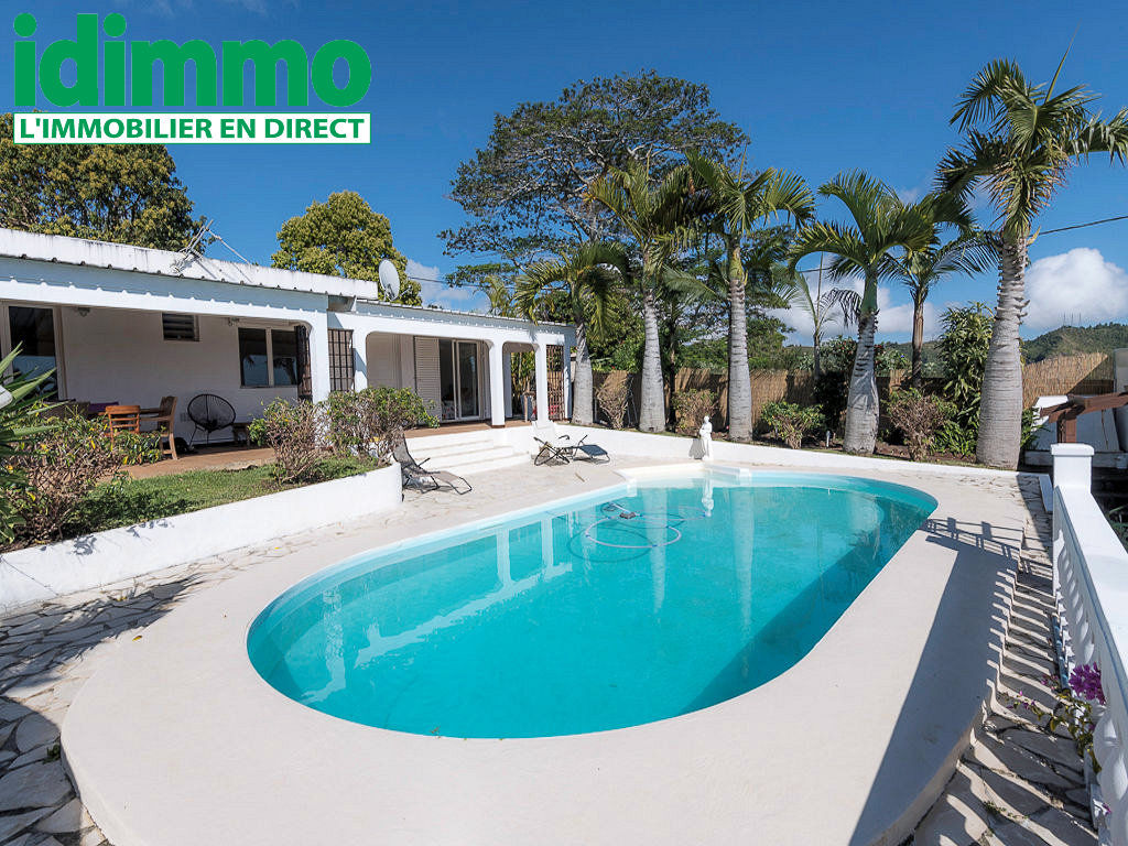 IDIMMO: Haut de Bellepierre, Villa T5 231m² SU avec piscine sur terrain 1300m² !