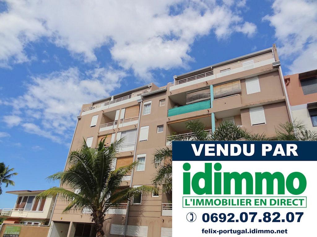 IDIMMO: Ste Clotilde, Appartement T2 64m² SU en dernier étage, vue mer !