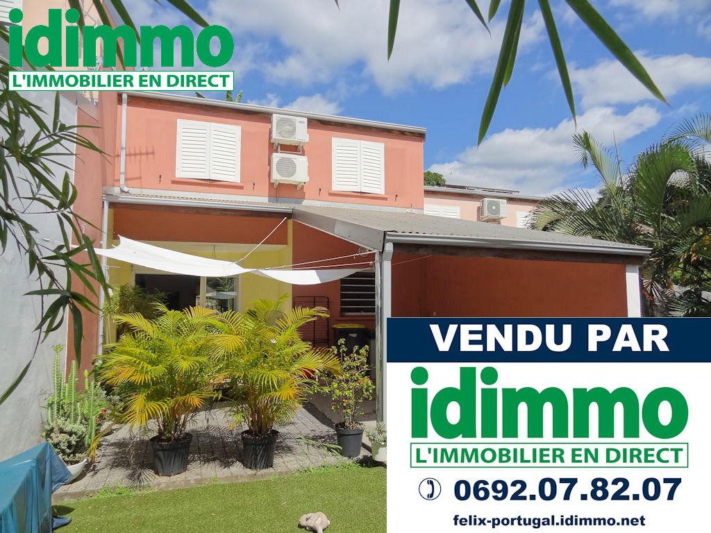DÉJÀ VENDU PAR IDIMMO : Ste Clotilde Clinique, Villa T4 jumelée, 94m² SU !