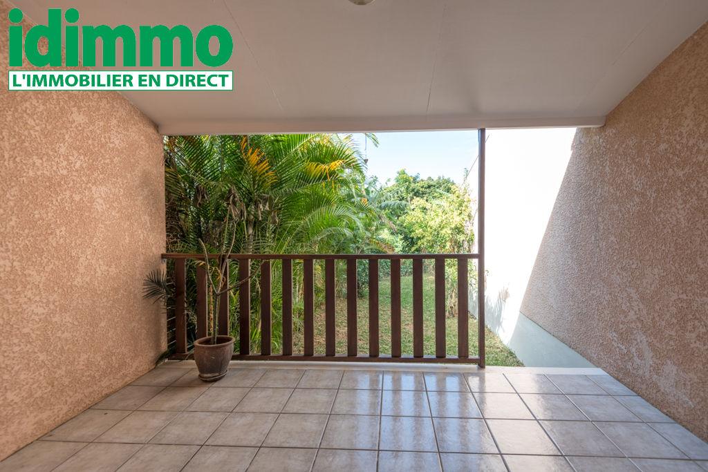IDIMMO: Ste Clotilde BDN, villa T3 jumelée en parfait état avec jardin privatif 50m² !