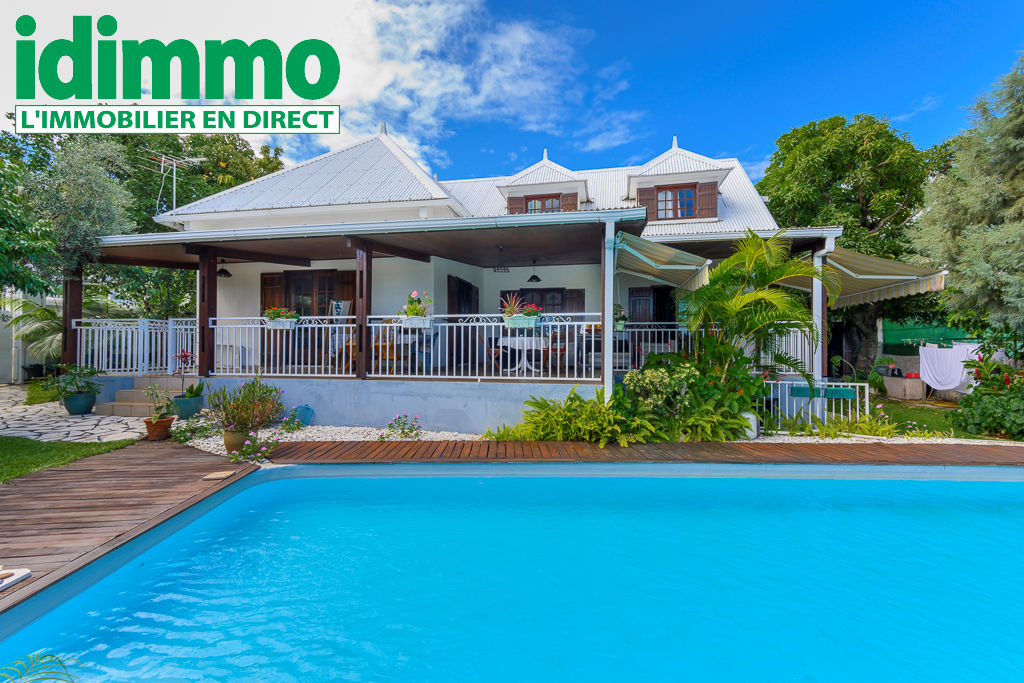IDIMMO : Ste Clotilde proximité Clinique, villa T7  de 275m² SU avec piscine !