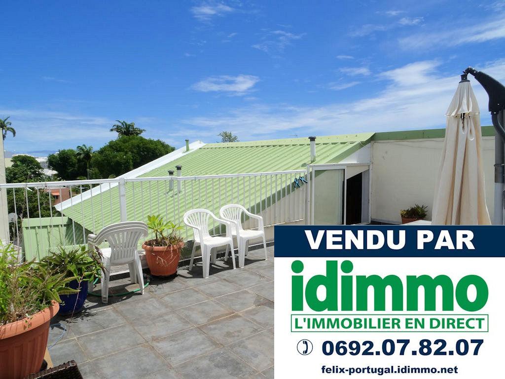 DÉJÀ VENDU PAR IDIMMO: St Denis centre, Appt T3 de 110m² SU avec PK et cave !