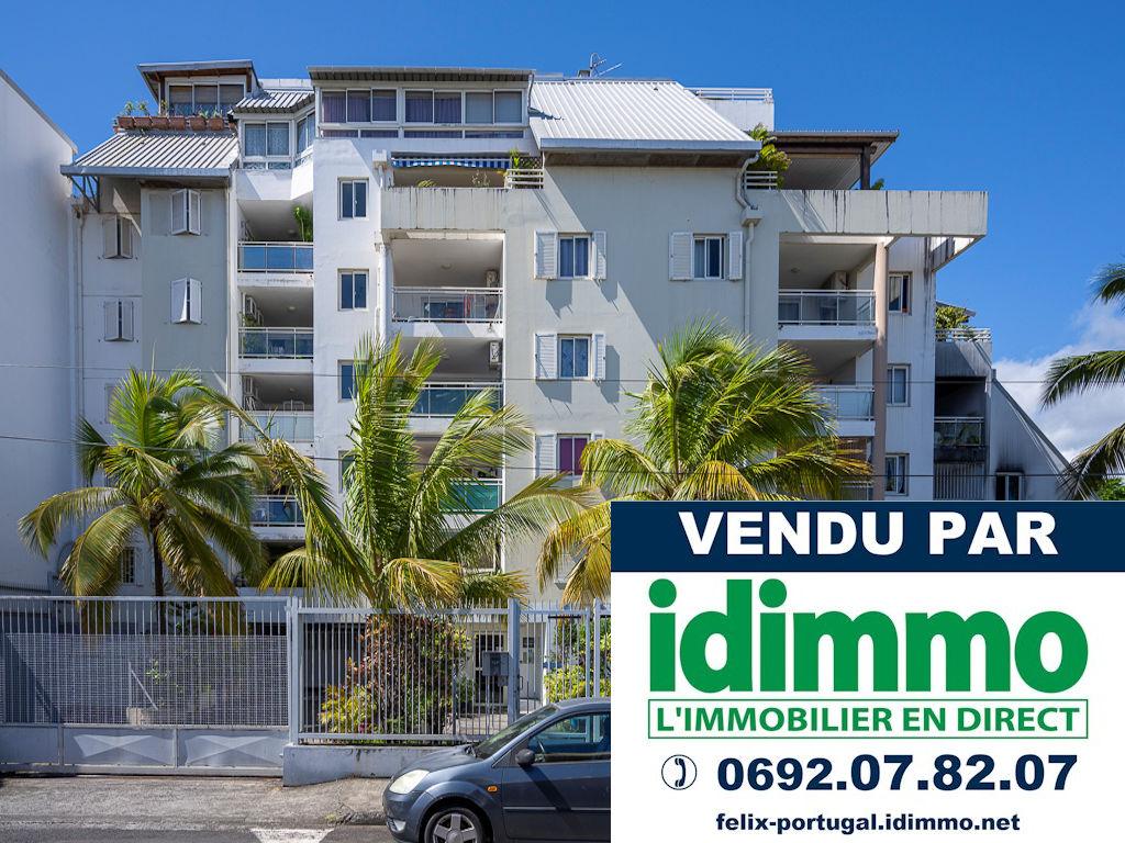 IDIMMO : Ste Clotilde, agréable Appartement T3 de 73m² SU avec PK !