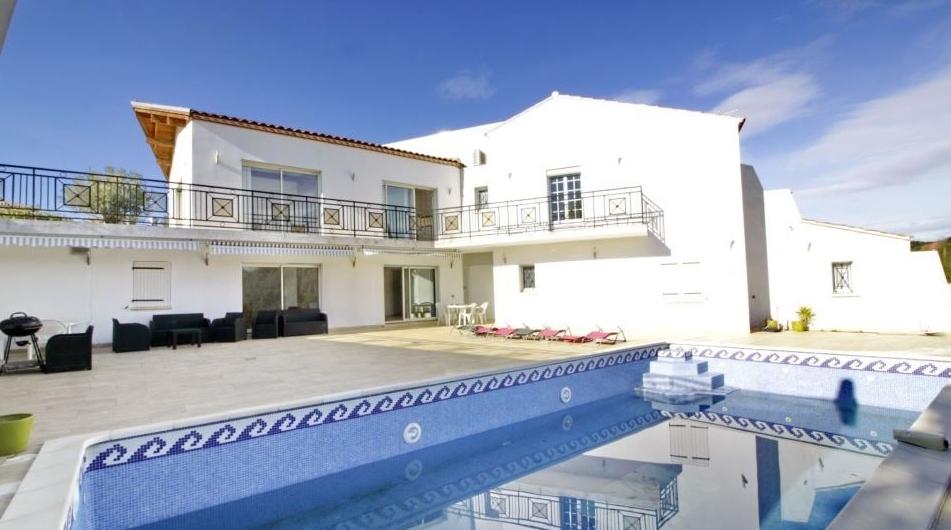 Superbe villa de 380 m² sur 2000 m² de terrain