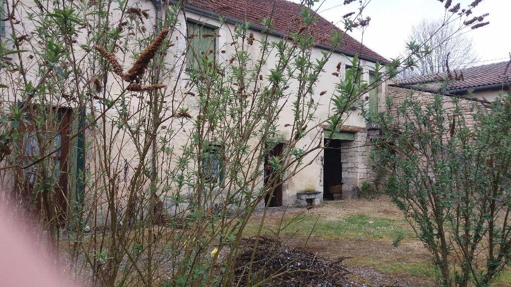 Maison de village proche de Châtillon sur seine  21400 cote d'orde 100m² avec terrain grange et petite maison